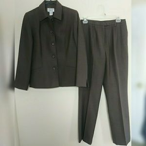 Pendleton wool pants with lined blazer suit.
